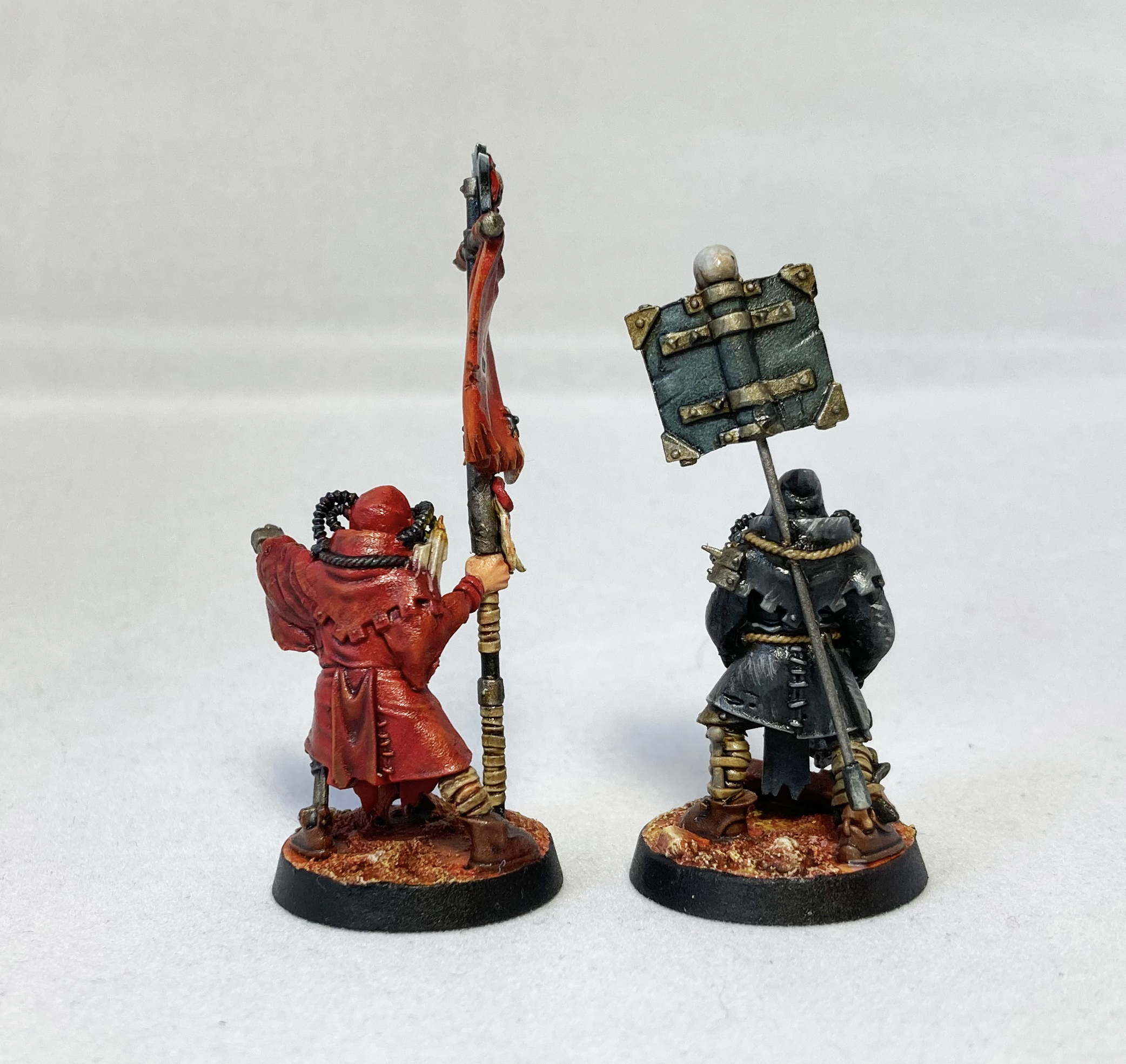 Blanchitsu Black Templars servitors back